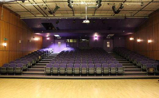 Regular_tga_redditch_-_theatre_th