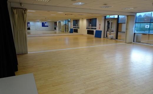 Regular_dene_-_dance_studio