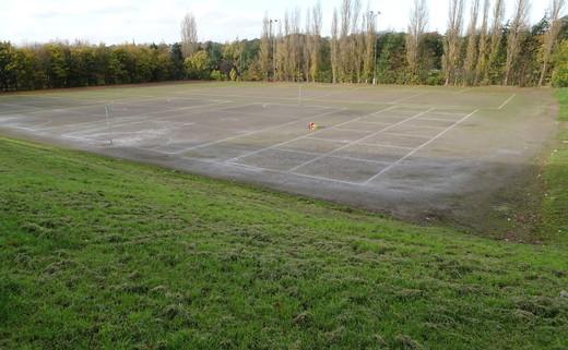 Regular_whitcliffe_-_outdoor_hardcourt