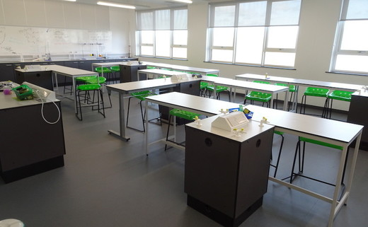 Regular_whitcliffe_-_science_room_1