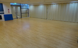 Thumb_dene_-_dance_studio_1