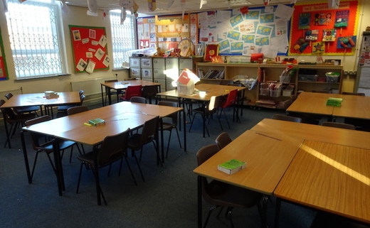 Regular_childwall_-_classroom