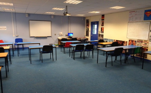Regular_childwall_-_large_classroom_th