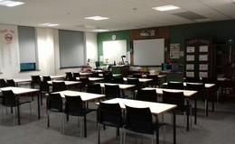 Thumb_dene_-_large_classroom