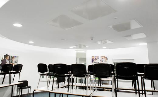 Regular_atrium_boardroom__002_