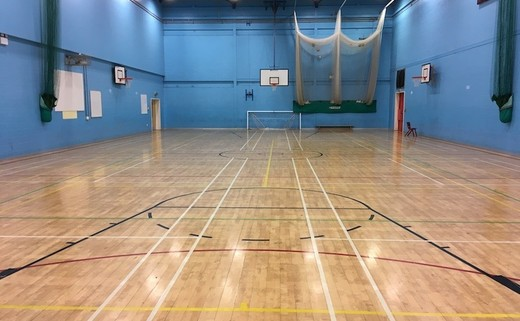 Regular_ormskirk_-_sports_hall_3_th