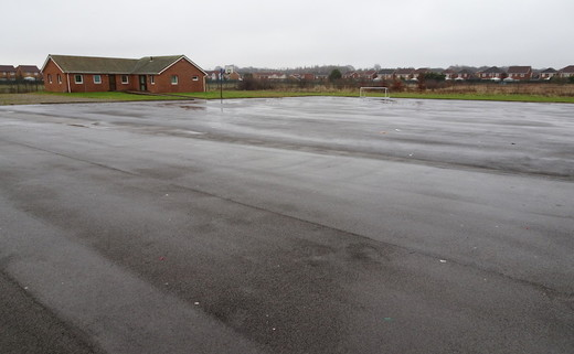 Regular_dls_-_wet_tarmac_area_th