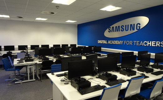 Regular_harborne_samsung_room_1_th