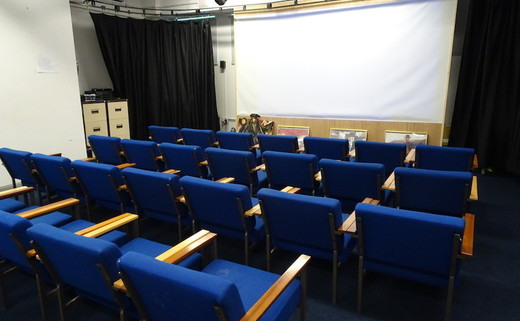 Regular_dls_-_cinema_room_th