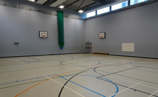 Regular_ark_bolingbroke__-_sports_hall_3