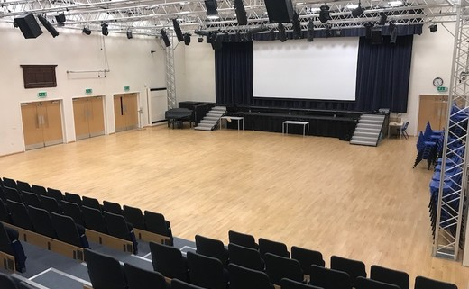 Regular_ormskirk_-_main_hall_no_seats__2_