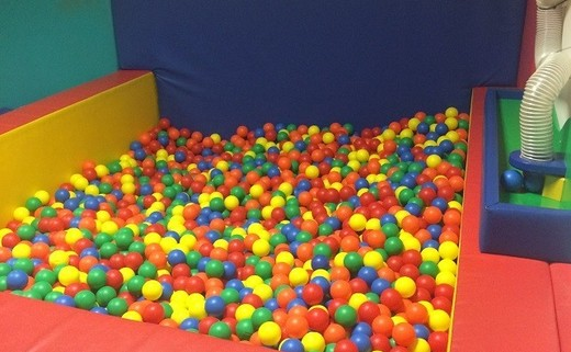 Regular_actual_ball_pit_picture