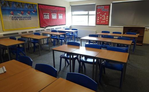 Regular_dean_trust_-_classroom