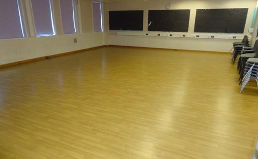 Regular_dance_studio_ar2