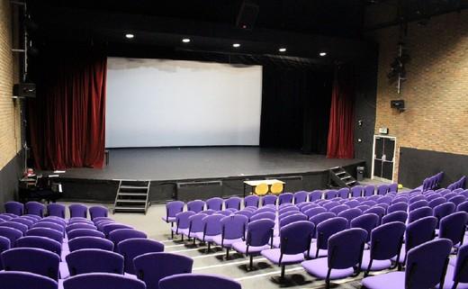 Regular_james_theatre_2