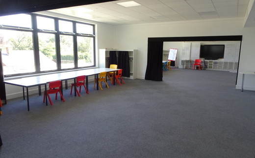 Regular_langley_primary_-_large_classroom_2thumbs