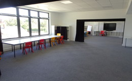 Thumb_langley_primary_-_large_classroom_2thumbs