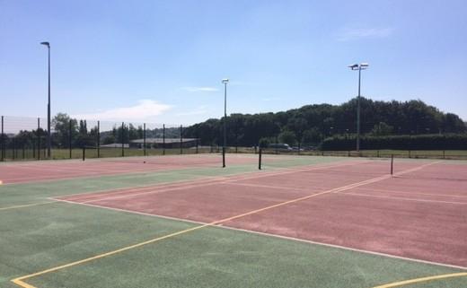 Regular_tennis_courts