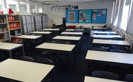 Regular_classroom1_resized