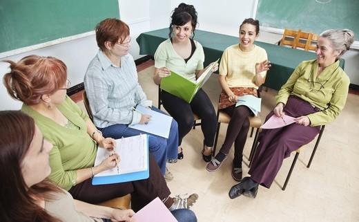 Regular_adult_learning_-_meeting