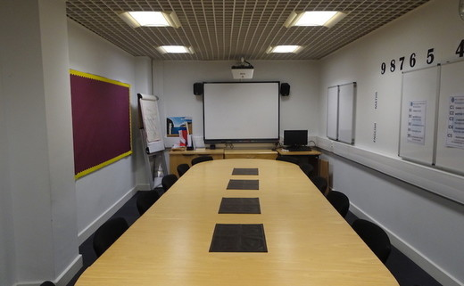 Regular_park_academy_-_conference_room