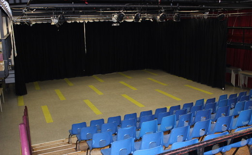 Regular_fearns_arts_theatre_4