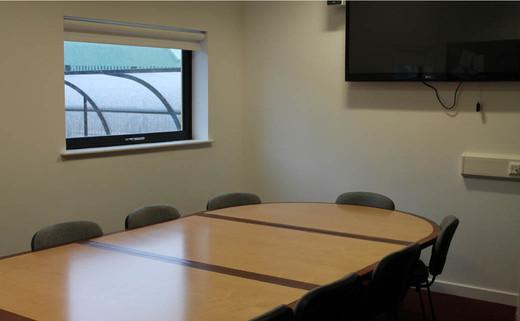 Regular_conference_room_1040x642