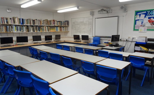 Regular_ark_burlington_danes_-_classroom