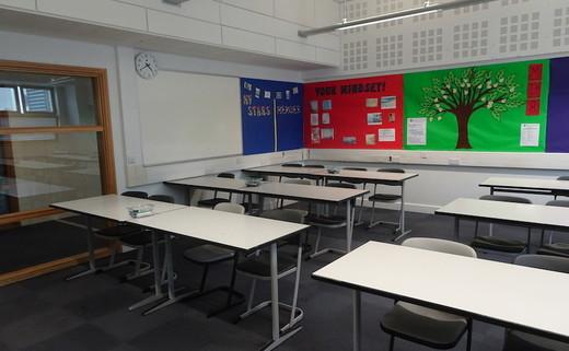 Regular_park_academy_-_classroom