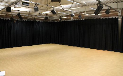 Regular_standish_dance_drama_studio_1040x642