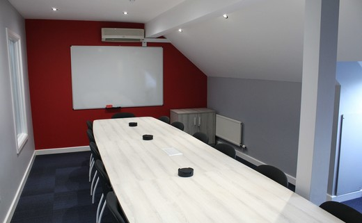 Regular_board_room_b