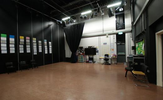Regular_drama_studio__113__2
