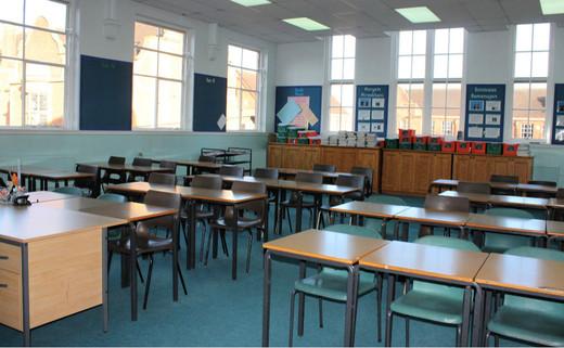 Regular_classroom_1040_x_642