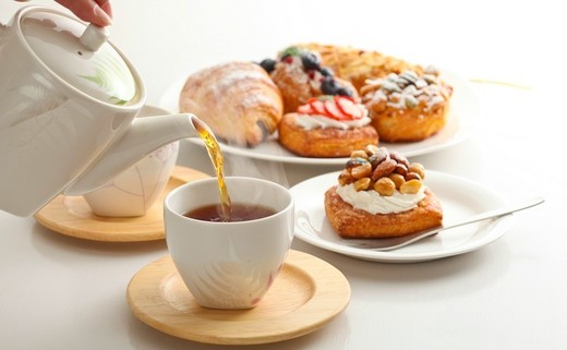 Regular_tea___pastry