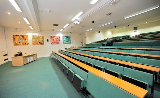Regular_lecture_theatre_professional_2
