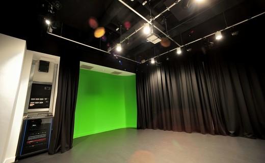 Regular_green_room_2