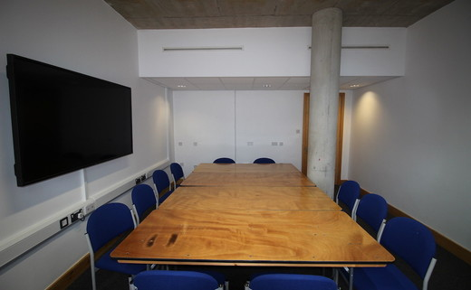 Regular_wye_-_meeting_room