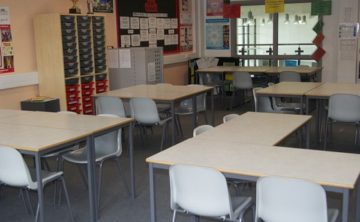 Regular_standard_classroom_1040x692