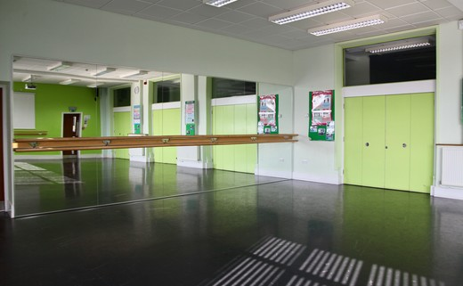 Regular_dance_studio1