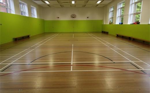 Regular_queens_school_-_gymnasium