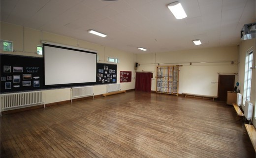 Regular_queens_school__lower__-_hall