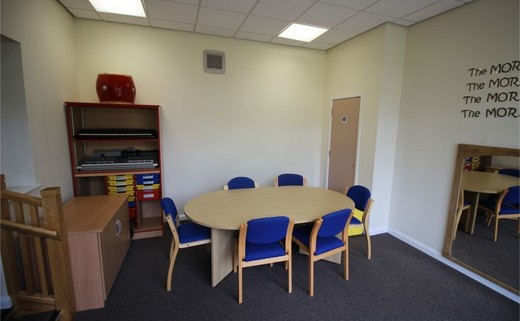 Regular_queens_school__lower__-_meeting_room