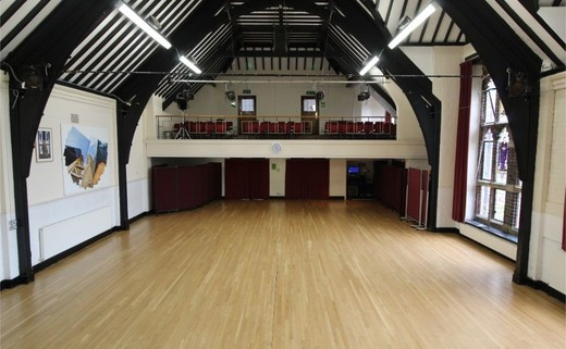 Regular_queens_school_-_main_hall_3