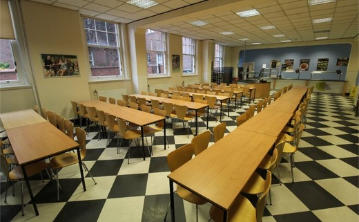 Regular_queens_school_-_dining_hall_2