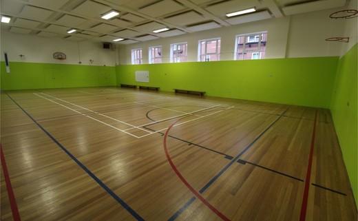 Regular_queens_school_-_gymnasium_2