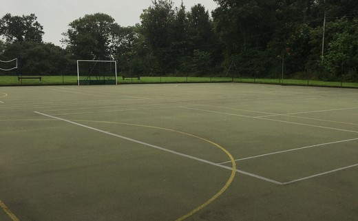Regular_dodderhill_courts_1