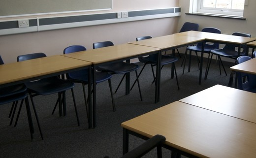 Regular_meeting_room_sb2-06_1040x696