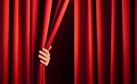Regular_stage_curtains