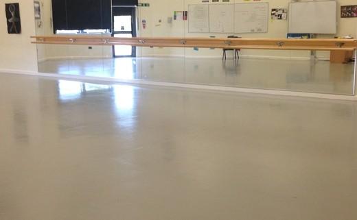 Regular_isambard_dance_studio_3
