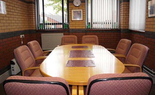 Regular_meeting_room_2_1040x642